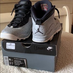 Cement Jordan 10s